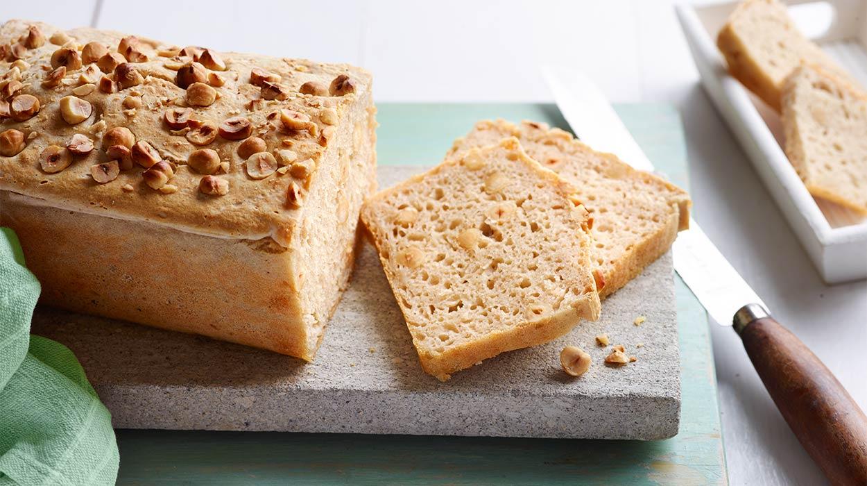 Chleb z orzechów laskowych
