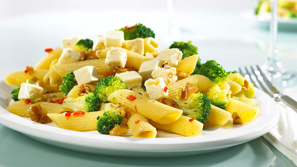Makaron z pikantnymi brokułami