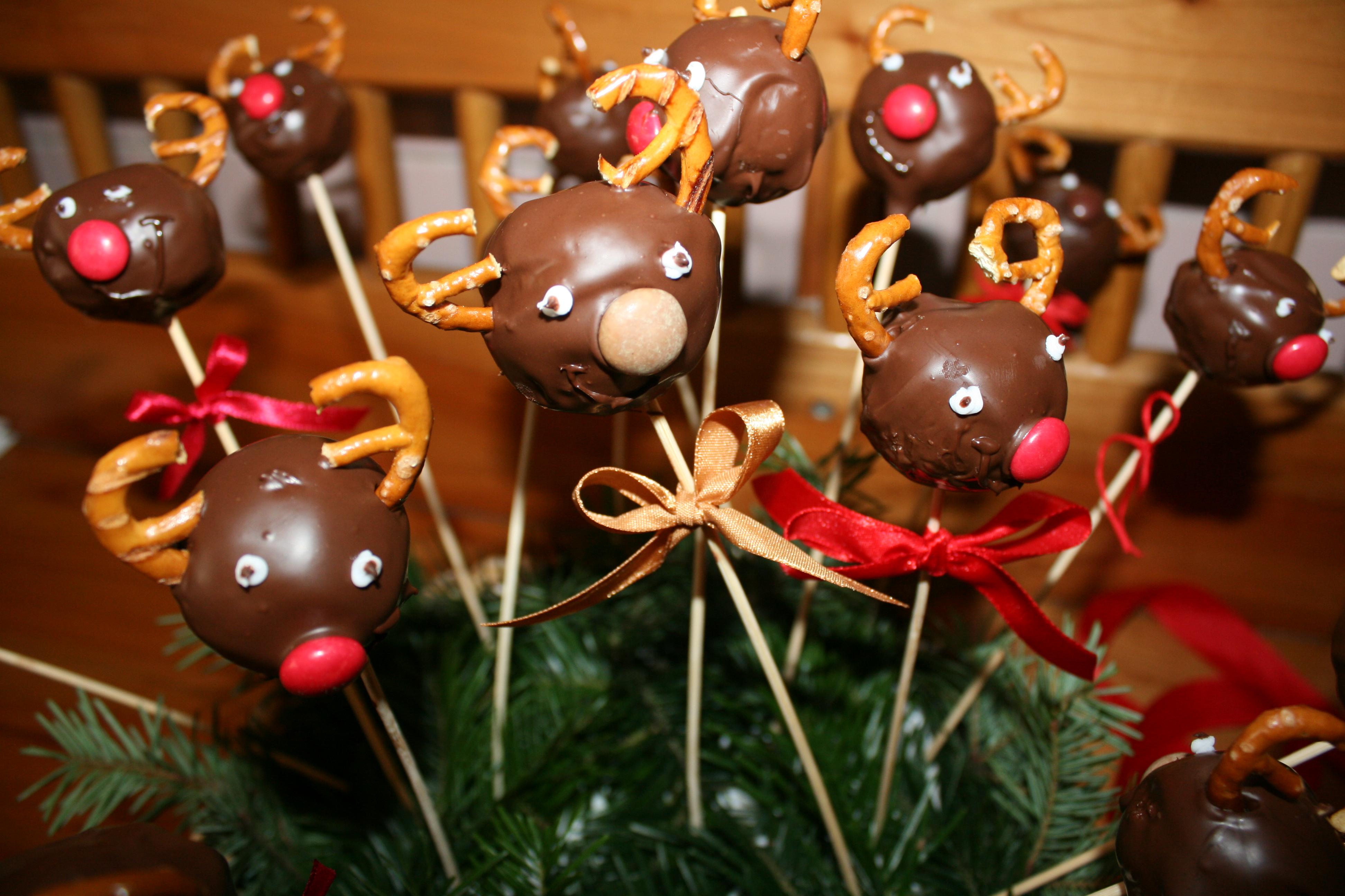 Rudolfy-cake pops