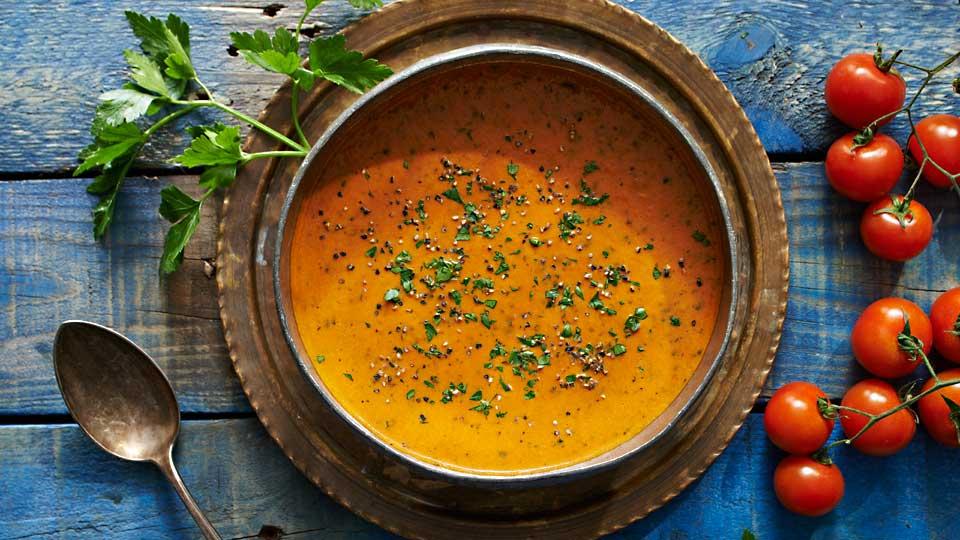 Kremowa zupa z pomidorów i pietruszki