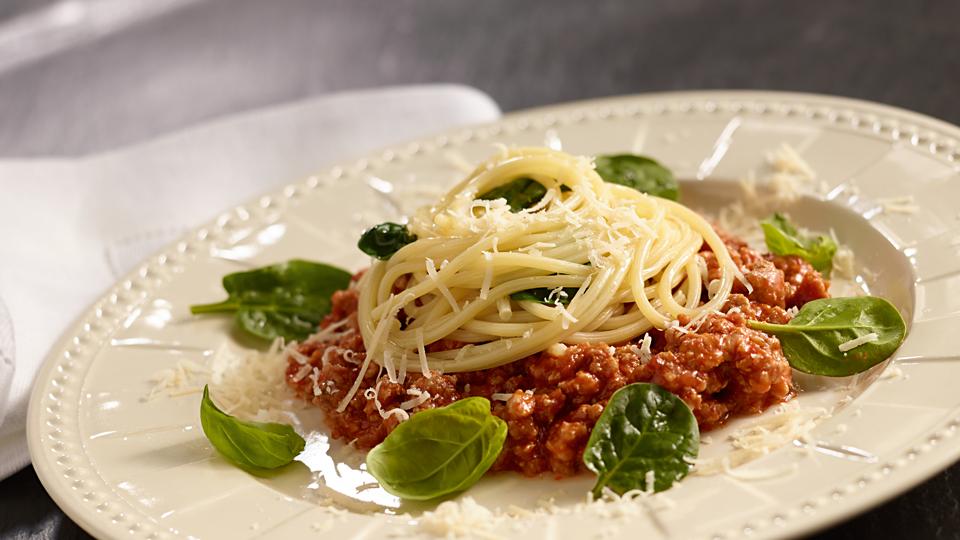 Spaghetti bolognese ze świeżym szpinakiem