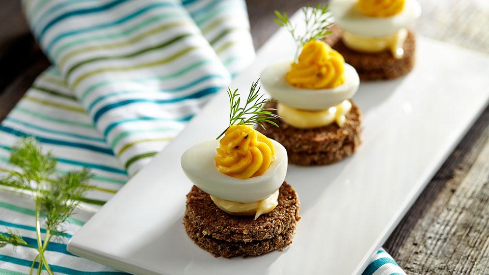 Jajka faszerowane pastą z kawioru
