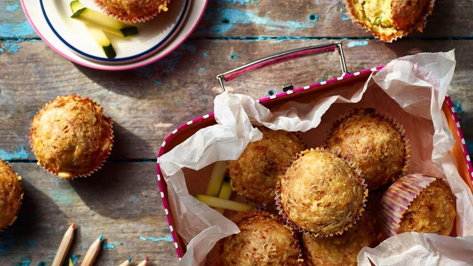 Muffiny z cukinią, tuńczykiem i serem