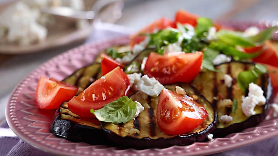Grillowana sałatka z bakłażana i pomidorów