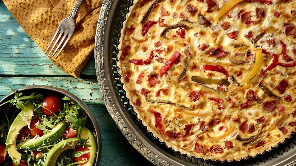 Quiche z pomidorami, papryką, kozim serem i kindziukiem