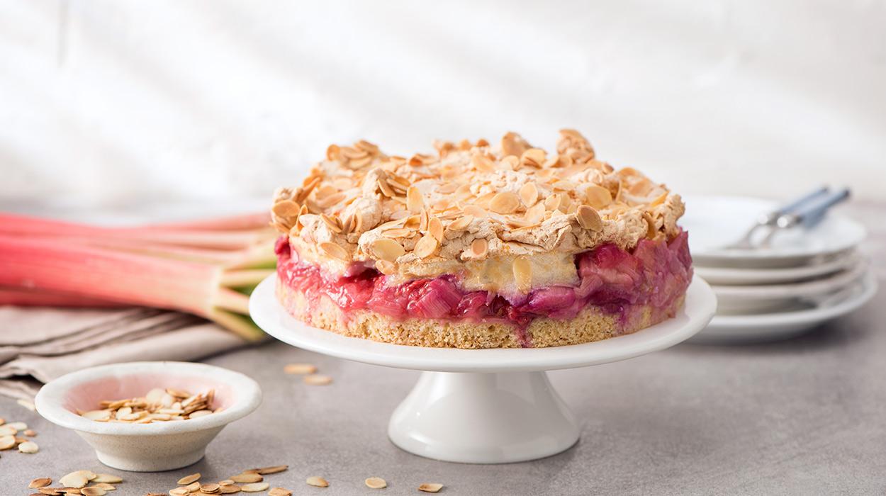 Ciasto rabarbarowo-malinowe z bezą
