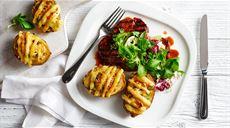 Faszerowane ziemniaki z pikantną, grillowaną karkówką